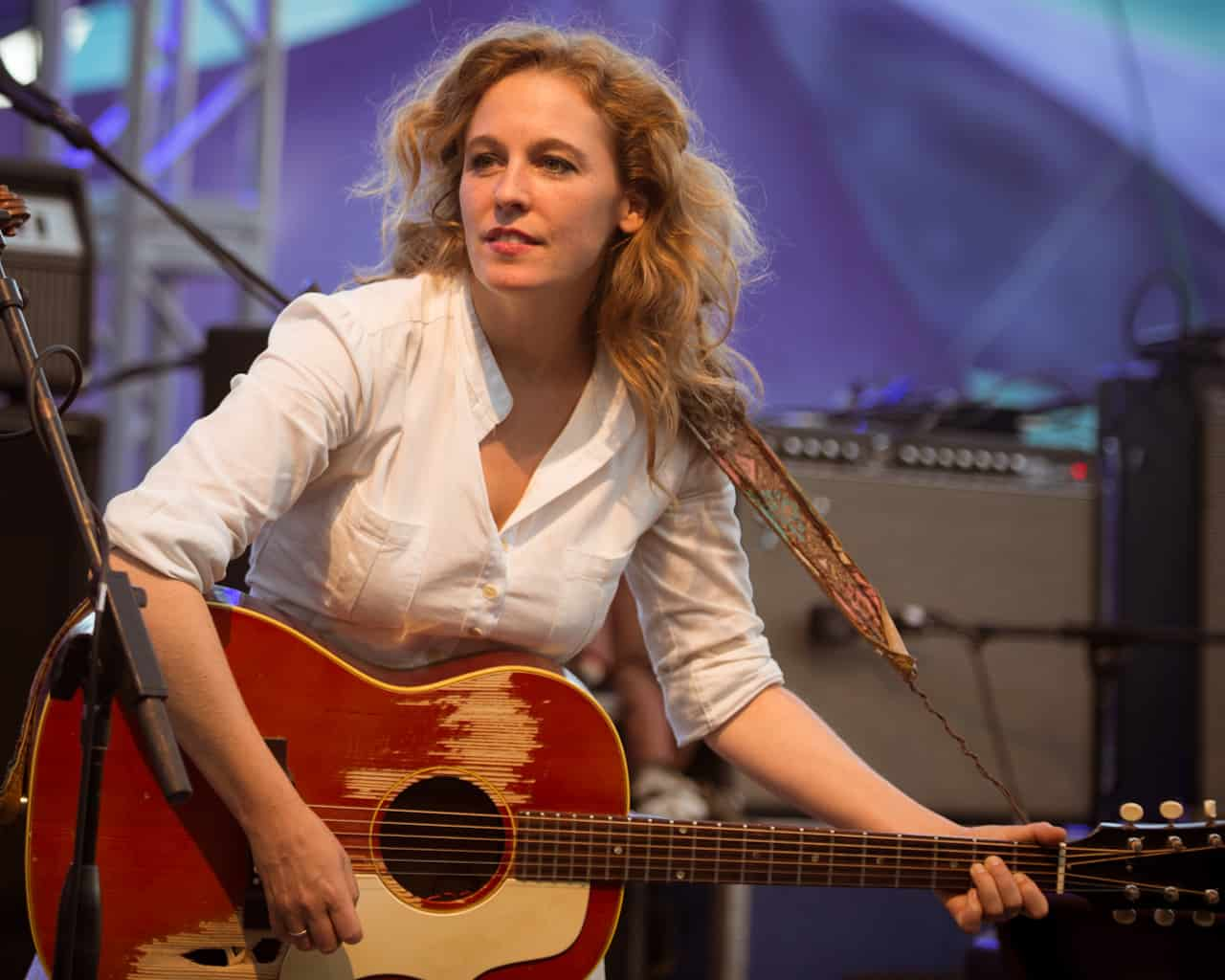 Tift Merritt- Travelling alone-2 live versions.