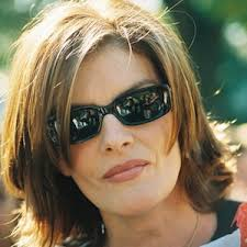 Rene Russo, easy to love!