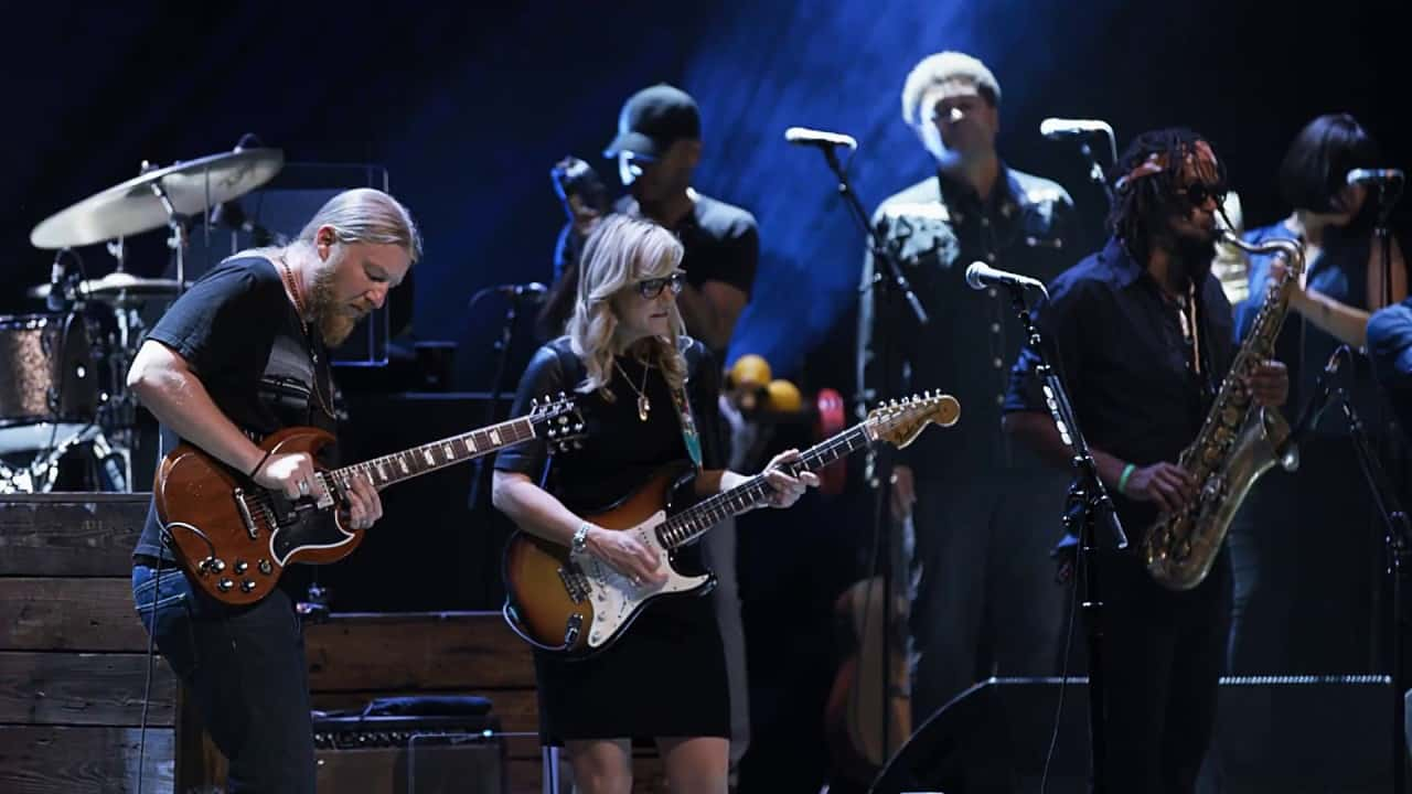 "YouTube Tedeschi Trucks Band - ""Keep On Growing"" - Live From The Fox Oakland Watch (10:28) Uploaded by: Tedeschi Trucks Band, Feb 7, 2017 1.13M Views·7.12K Likes Tedeschi Trucks Band perform ""Keep On Growing"" from their upcoming CD/DVD release ""Live From The Fox Oakland."" Pre-order the album and concert film here: htt..."