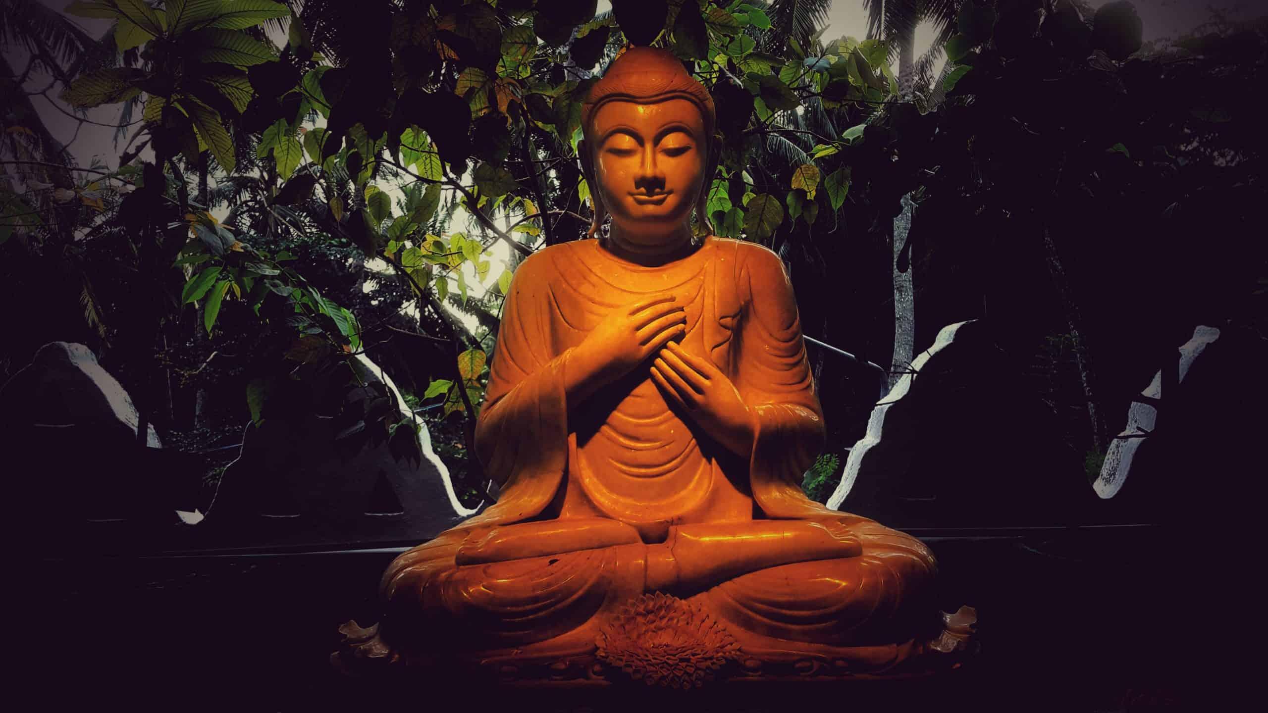 lahiru-supunchandra-Buddha Statue-unsplash