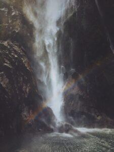jeff-finley-Waterfall rainbow image-unsplash