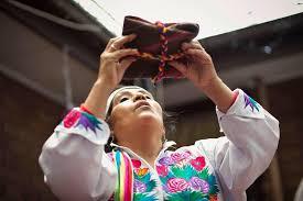An exciting new WEBINAR SERIES WITH Peruvian Shaman Silvia Calisaya Chuquimia