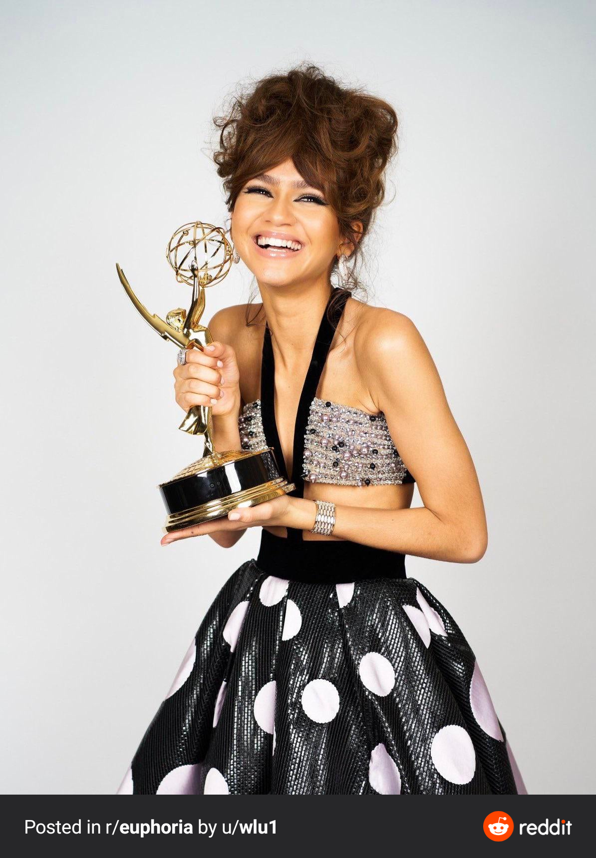 Zendaya 2020 wins Emmy 09-2020
