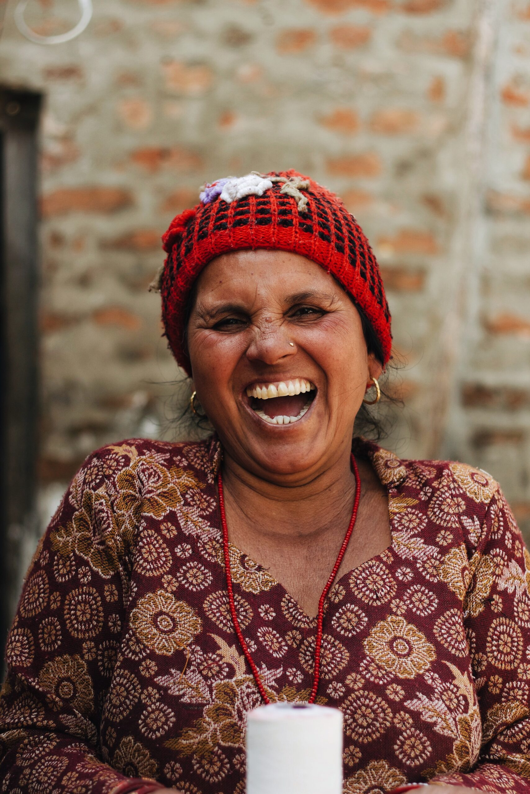 janaya-dasiuk-Woman Laughing-unsplash