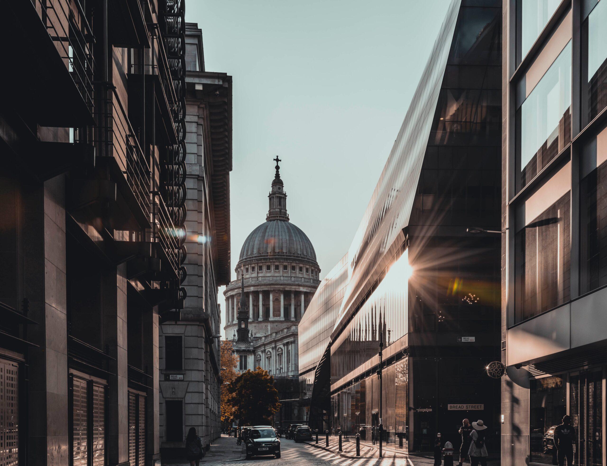 siddhant-kumar-London side street sunlight splashing-unsplash