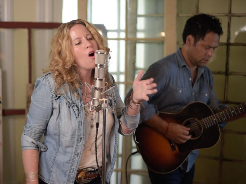 Amy Helm and the handsome strangers band