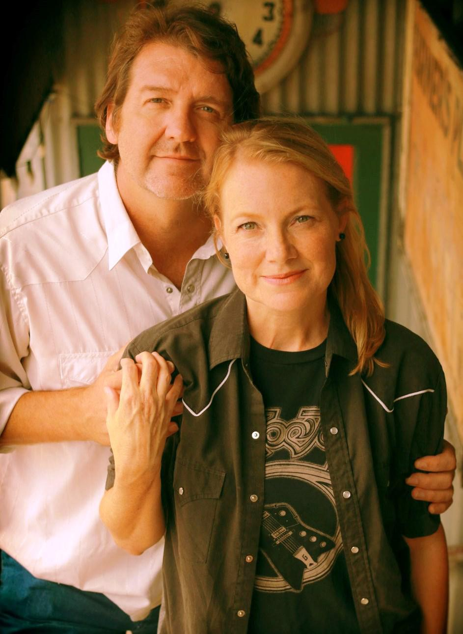 Bruce Robison and Kelly Willis bring their Holiday Shindig to Gruene Hall on Dec. 2, 2017