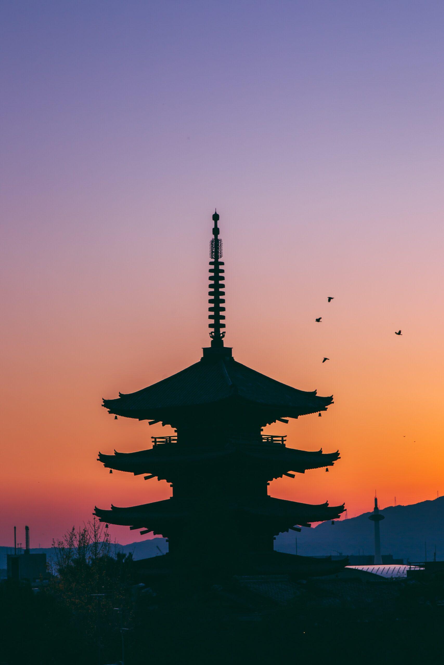 ash-edmonds-Tokyo Japanese Zen Temple spires evening-unsplash
