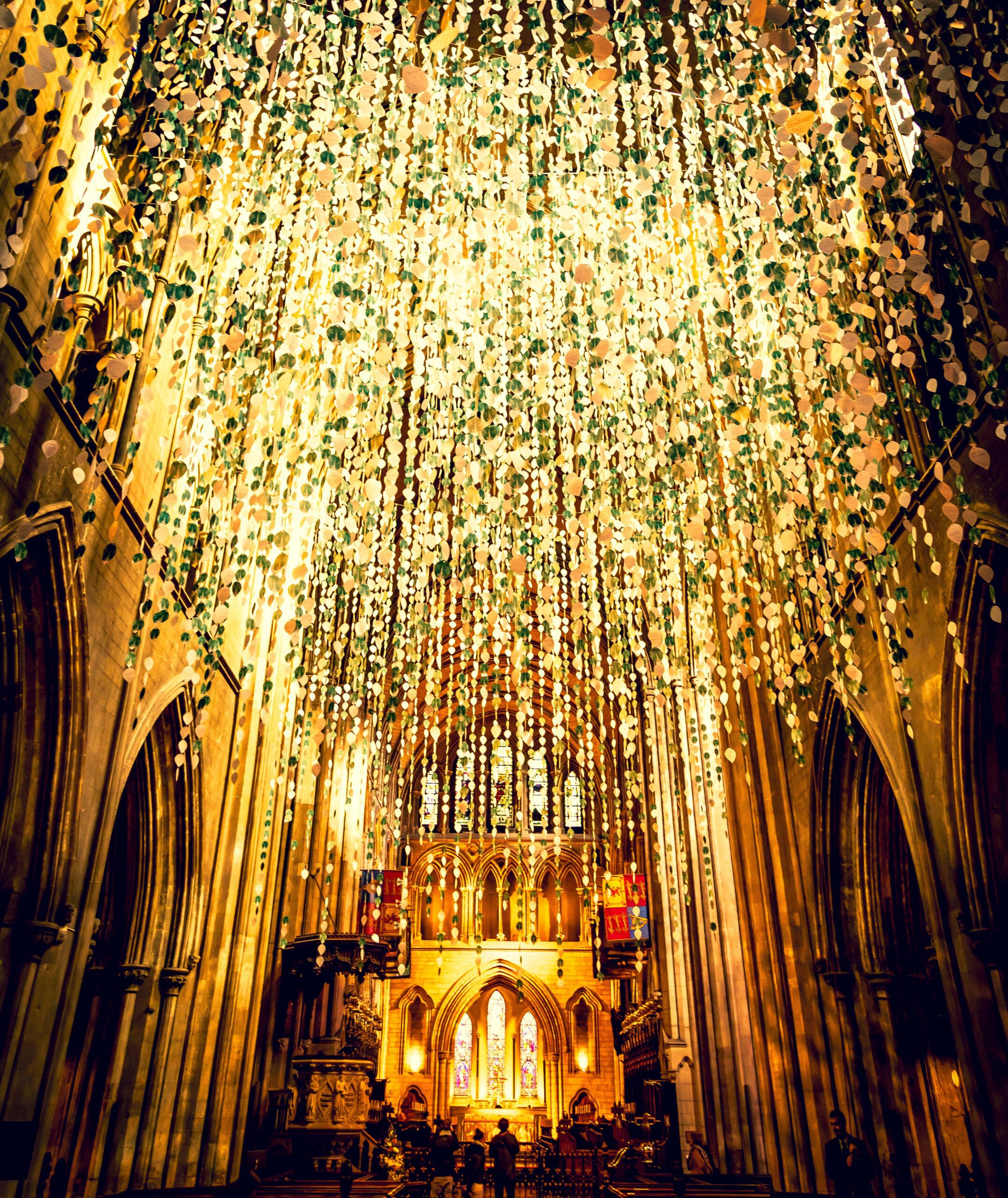 jaime-casap-Interior of Dublin Church during Holidays decorated-unsplash