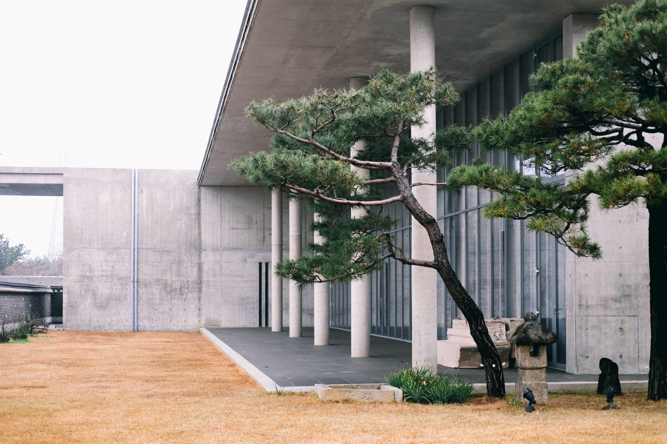 kawai-so-Japanese Tokyo contemporary building with landscaped area-unsplash
