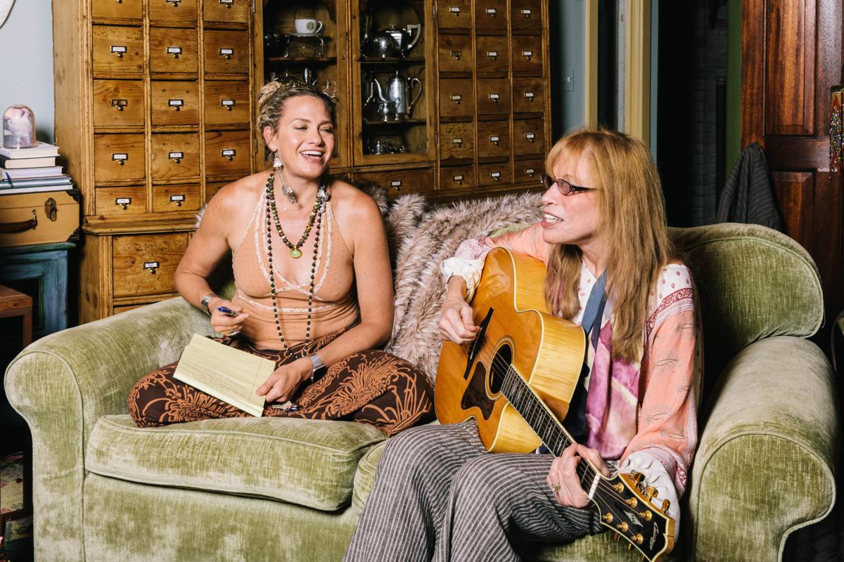 Carly Simon with daughter at Marthas vinyARD