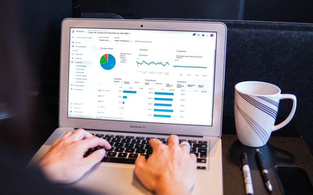 myriam-jessier-eveGooglre analyics page on MacBook Air-unsplash